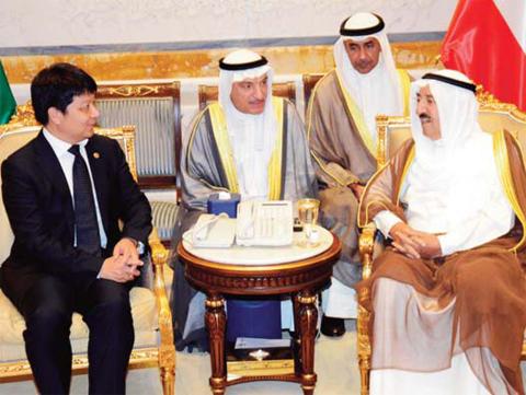 His Highness the Amir Sheikh Sabah Al-Ahmad Al-Jaber Al-Sabah receives Guo Ping, Huawei Technologies Co, Ltd Rotating CEO, yesterday.— KUNA