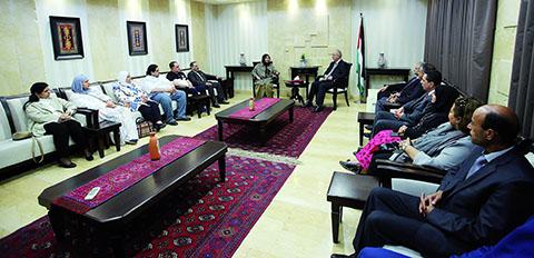 Kuwait eager to recruit Palestinian teachers: officials