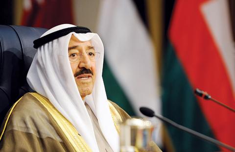 Amir orders paying debts of Kuwaiti, expat inmates