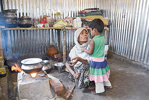 Dozens of Rohingya are fleeing India for Bangladesh - Kuwait